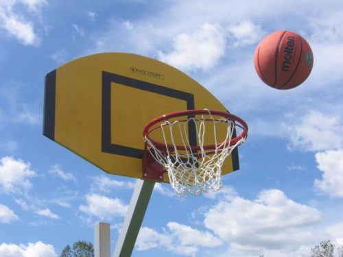 Баскетбол на двора