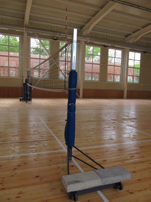 Стойки волейбол мобилни-653