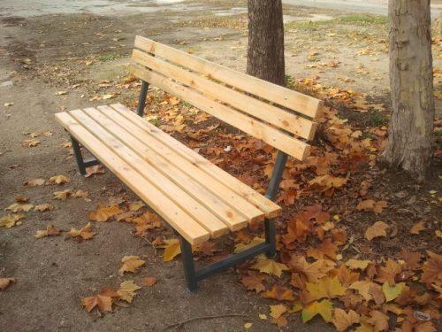 Паркови пейки и беседки