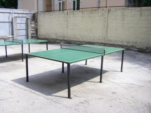Outdoor tennis tables