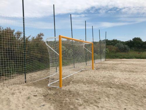 Врати за плажен футбол