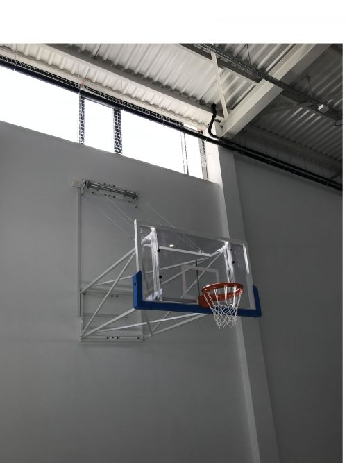 сгъваема нагоре баскетболна конструкция за таван