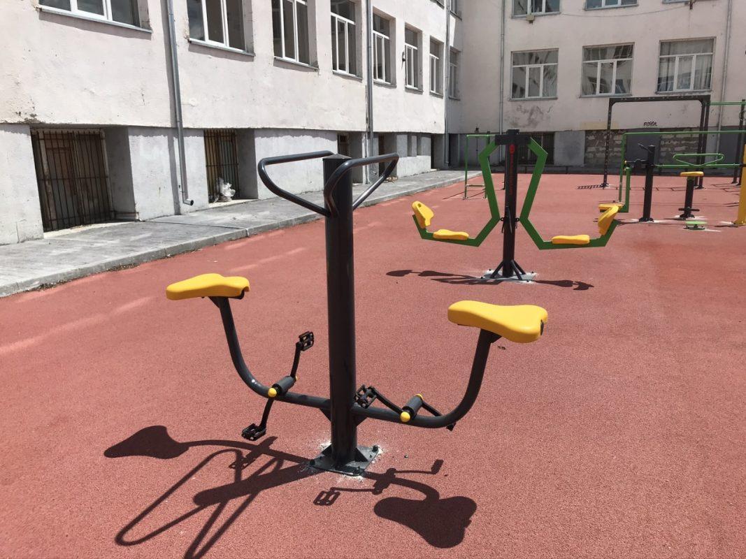 двоен велоергометър за открито